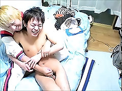 Japanese twink gets a handjob from an older guy and sucks him off!