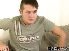 Solo UK twink Aarron plays with his dick for our pleasure